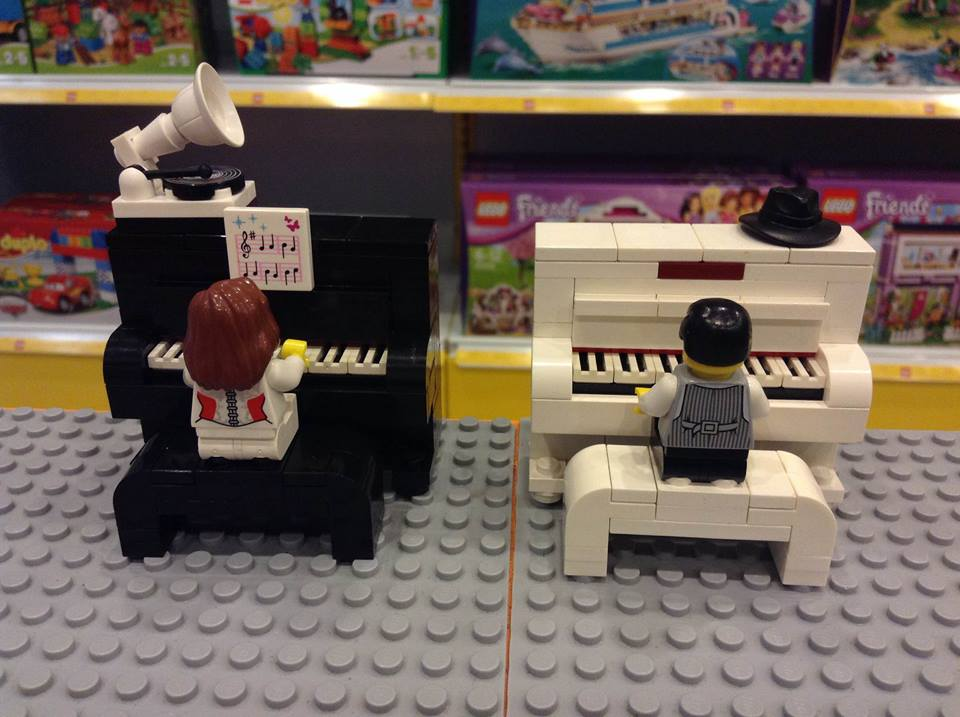 Lego Piano built at Mighty Utan