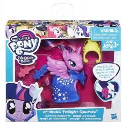 My Little Pony Runway Fashions Set with Princess Twilight Sparkle Figure