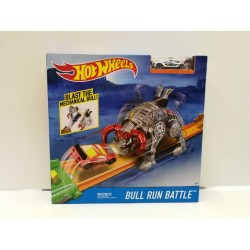 Hot Wheels Bull Run Battle Playset